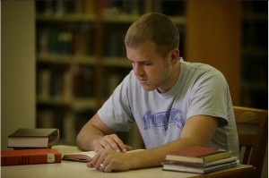 studying_in_library