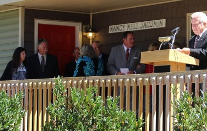 Fruitland dedicates new apartments for married students