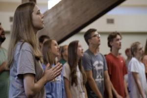 highschool-student-worship